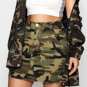 Boohoo Plus Army Camo Jean Denim Mini Skirt Sz 18